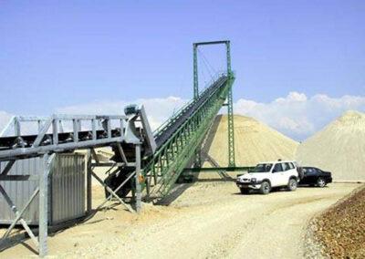 Gittertransportør 40m med wiretårn og gangbro