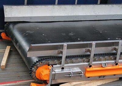 Rustfri kædebåndstransportør med bølgekant